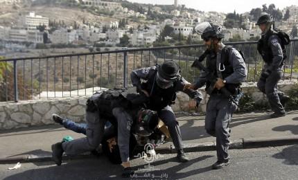 الاحتلال يعتقل ثلاثة أسرى محررين شمال الخليل