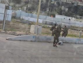 إصابة مواطن بنيران الاحتلال شرق خان يونس