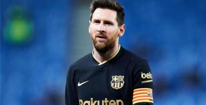 ميسي يتلاعب بأعصاب برشلونة