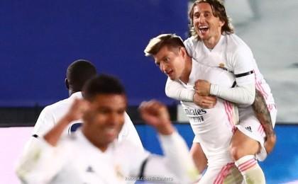 حل متأخر ينقذ ريال مدريد من غفلة مدافعيه