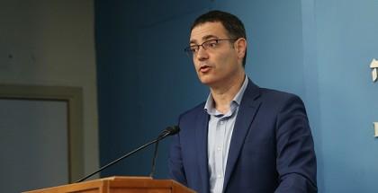 """مسؤول """"إسرائيلي"""" يعترف: أخطأنا واللقاح لم يكن كافياً"""