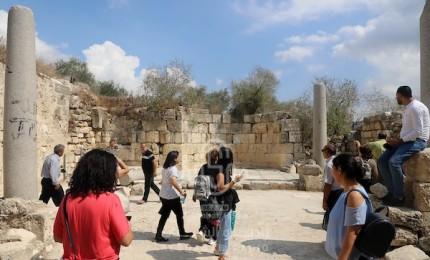"""""""السياحة"""" تعلن عن إعادة استقبال السياح الأجانب للإقامة بالفنادق"""